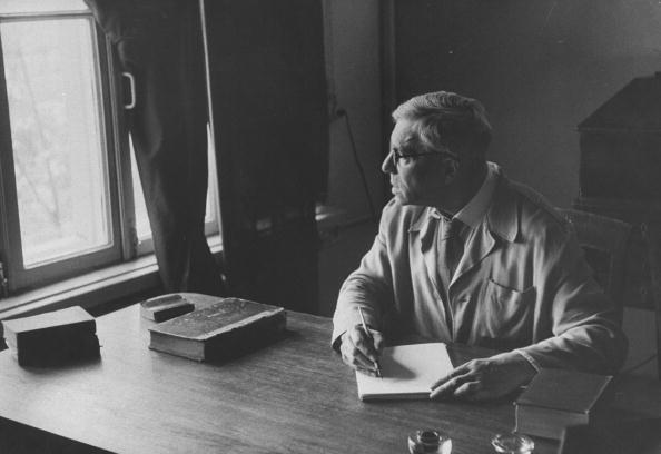 Б.Л. Пастернак за письменным столом в Переделкине. 1958 год.